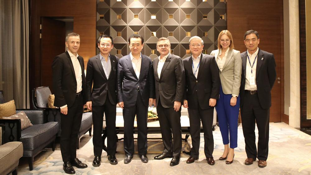 王健林董事長會見國際冰球聯合會主席雷尼·法塞爾