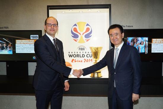 国际篮联秘书长扎格克里斯会见王健林董事长