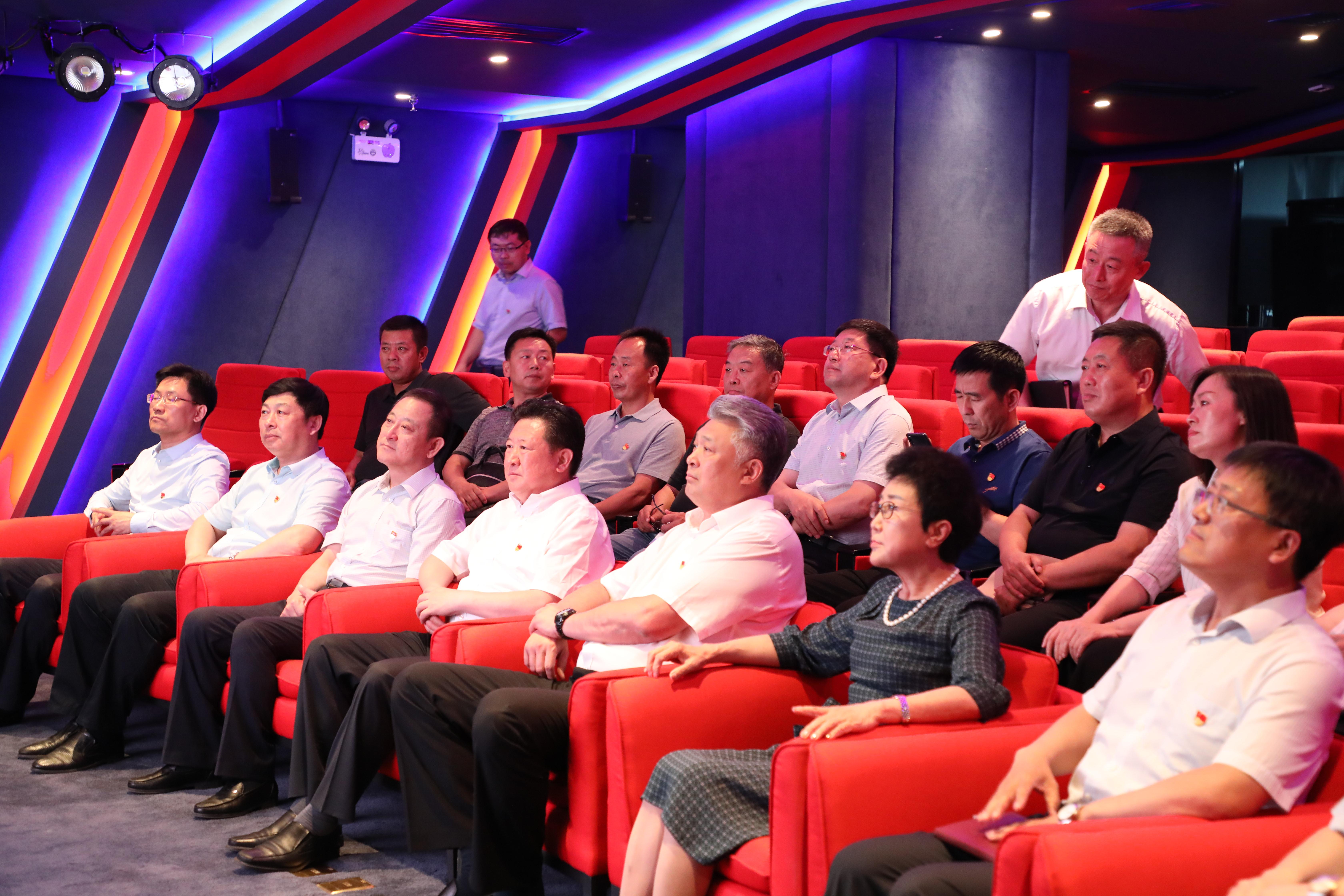大连市委常委、组织部部长赵大光视察万达党建共享中心