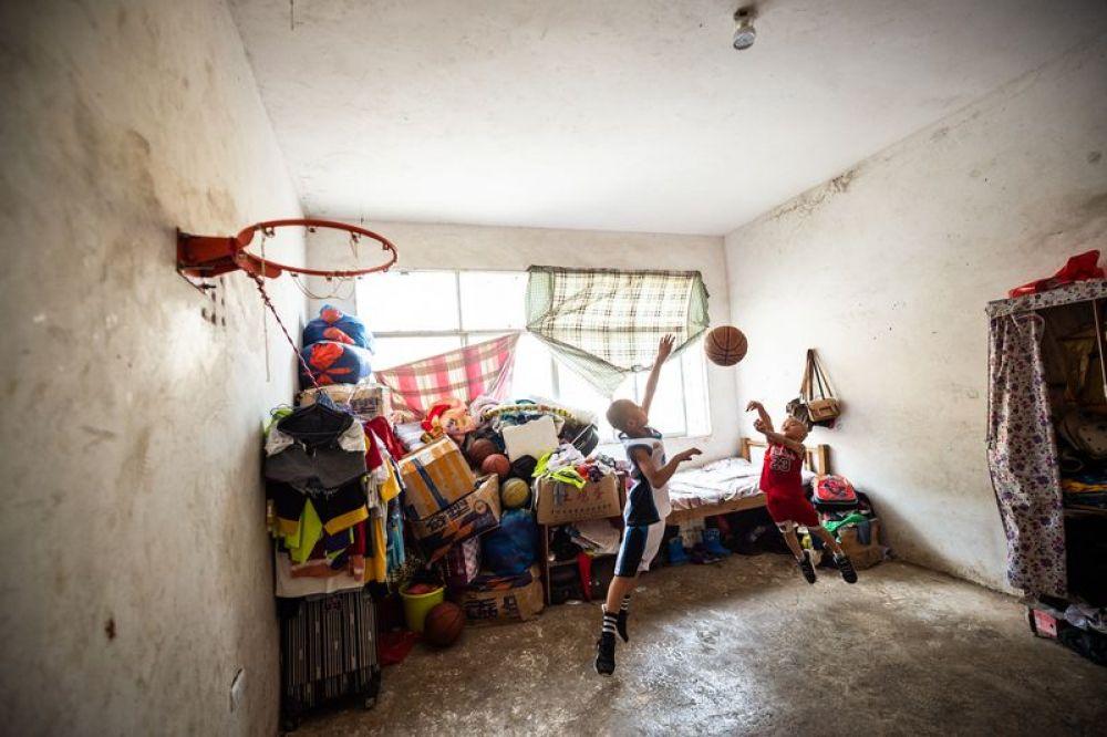 """【新华社】我为球狂丨篮球为山区少年插上梦想的""""翅膀"""""""
