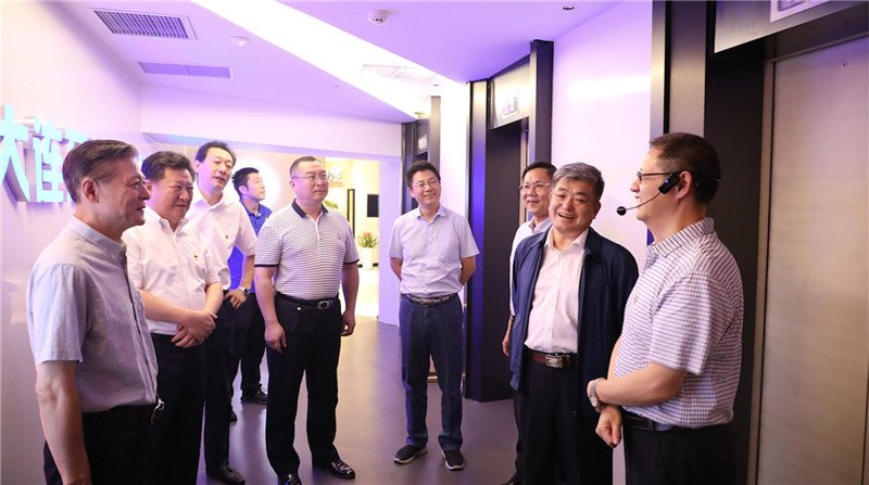辽省委巡视组在万达党建中心开展党日活动