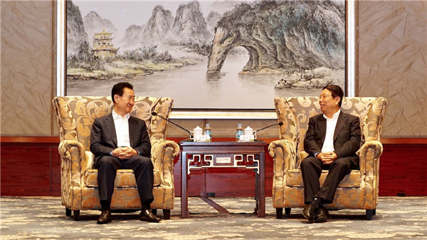 廣西人大副主任、桂林市委書記趙樂秦會見王健林董事長