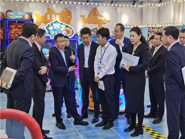 威尼斯官网总裁丁本锡到杭州、滁州调研