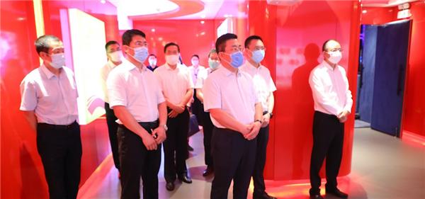 大连市纪委书记杨宇新考察www.64222.com党建共享中心