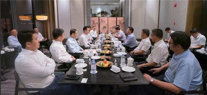 安徽省委常委、合肥市委书记虞爱华会见王健林董事长