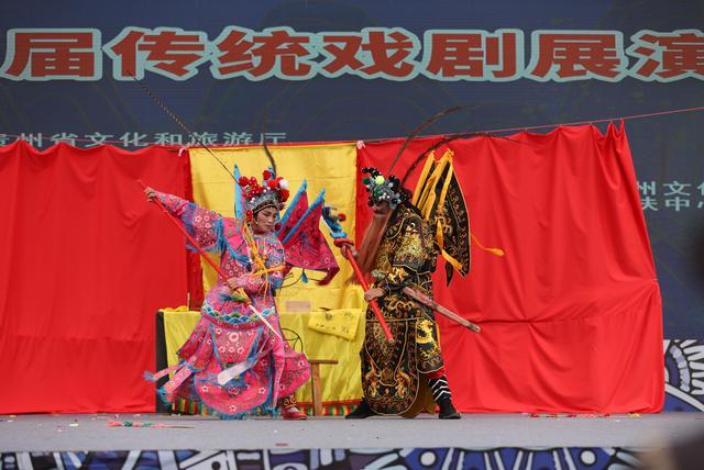 【新华社】中国丹寨非遗周:戏剧展演精彩纷呈
