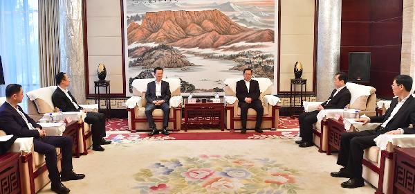 四川眉山市委书记慕新海市长胡元坤会见王健林董事长