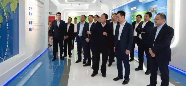 王健接爱了林董事�L�{研考察珠海市�M琴新�^