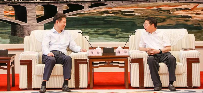 延安市市長薛占海會見萬達集團總裁齊界