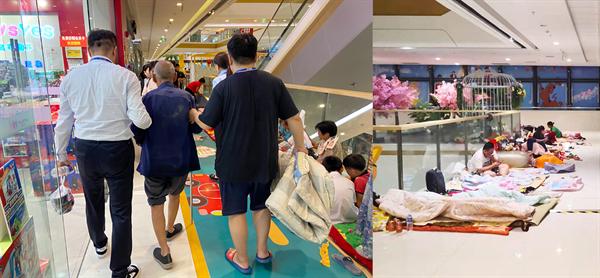 河南新乡万达广场设置洪水灾民临时安置点