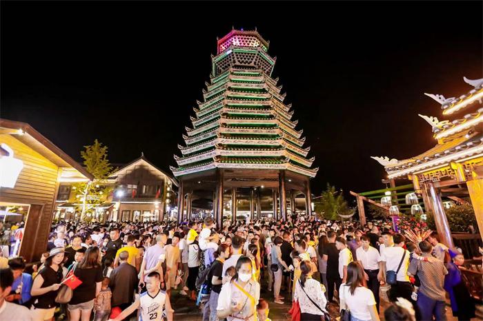 丹寨万达小镇国庆假期客流创开业以来新高