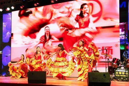 上海五角場萬達廣場舉辦新年倒計時演唱會