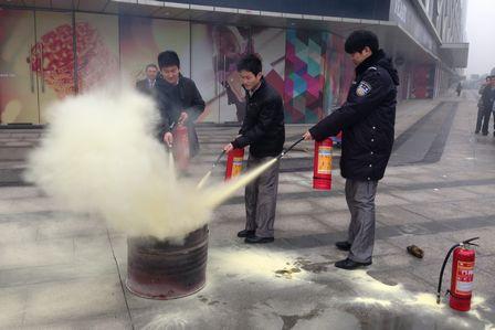 萬達影城合肥天鵝湖萬達廣場店舉行春節前消防演練
