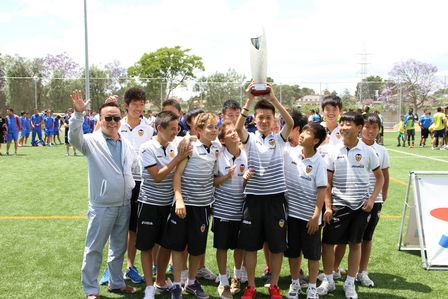 瓦倫西亞萬達希望之星Miguel Tendillo杯奪冠